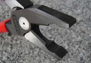 KNIPEX強力型電工ペンチ