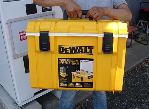 DeWALTクーラーボックス